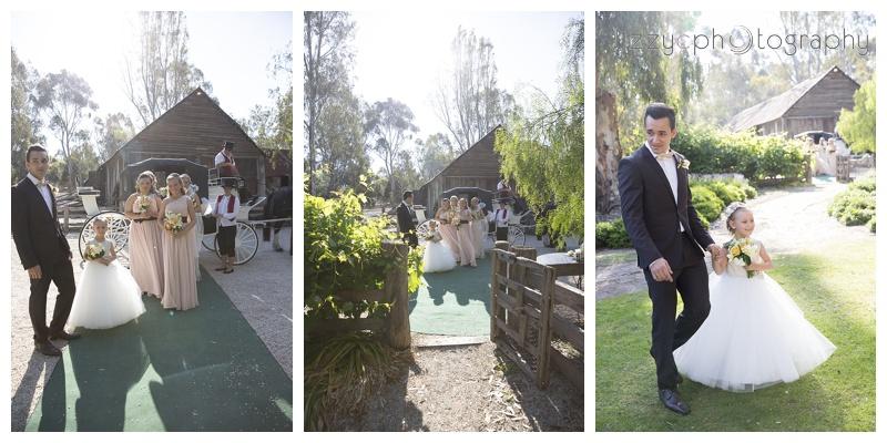 EmuBottomHomestead wedding 0035 Simone and Robs Emu Bottom Homestead Wedding