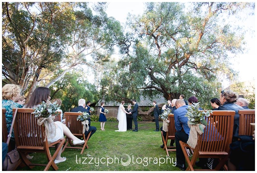 emu bottom homestead wedding 0011 Katrina + Aaron | Rustic Bush Emu Bottom Homestead Wedding
